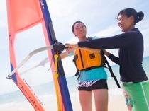 アクティビティ:ウインドサーフィンにチャレンジ。