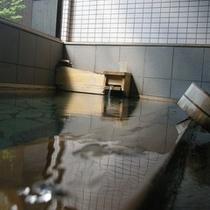 硫酸塩泉・掛流しの温泉です♪
