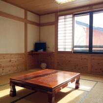 *【客室一例(7.5畳)】木を多く使った、どこか懐かしい山小屋風の和室。