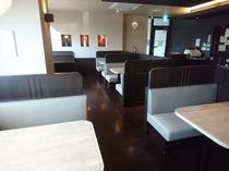 【レストラン】~店内の様子~ボックス席
