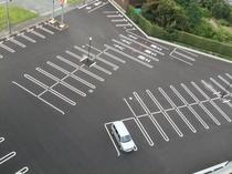 【平面駐車場】約130台駐車可能!!普通車は無料!!