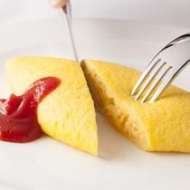 朝食和洋フルビュッフェ--目の前でスタンドクッキングの特製オムレツ