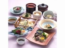 ミニ会席:お部屋でのお食事(内容は季節により変わります。)