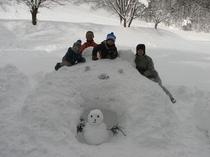 家族で雪だるま