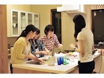 楽しく調理 KAYA Villaにて