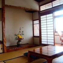 *和室一例/6畳または8畳のお部屋がございます。歴史を感じる純和風の造り。
