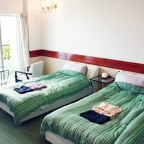*【部屋/ナポリ】大きなデッキチェアー付テラスが特徴のお部屋です。