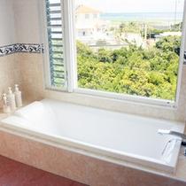 *【部屋/バレンシア】海を眺めながら、仕事や旅の疲れを癒してください。