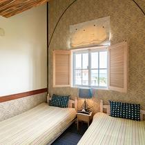 *【部屋/マルセイユ】落ち着いた雰囲気のベッドルーム。