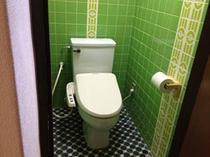 トイレ/温水洗浄付きトイレ 昔からのユニークなタイル