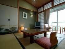 箱根外輪山と、相模湾をのぞむ眺望が自慢