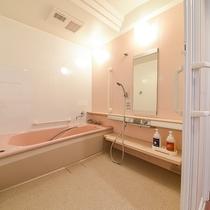 *ツイン/洋室にはバリアフリー対応のお風呂付です(お湯は温泉ではございません)。