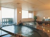 大浴場・露天風呂ともに源泉かけ流し。