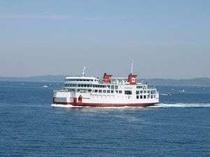 金谷~久里浜を約40分で結ぶ、東京湾フェリー。乗用車100台、旅客570名を収容。子供に人気◎。