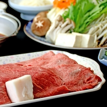 自慢の肉&野菜のすきやき!