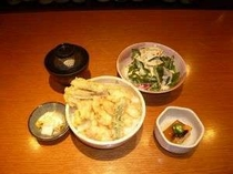 「海へ」の夕食付きプラン 【Cプラン ホッキ天丼セット】メニューはイメージです