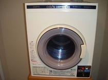 コインランドリー室 乾燥機