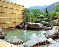 【温泉】開放感一日の岩風呂