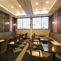 レストラン/ボックス席や個室でごゆっくりおくつろぎください。