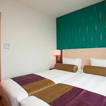 【ハリウッドツイン】お部屋は、シングルベッド2台が並んだお部屋になります。