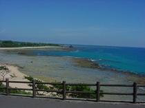 マリンブルーの海