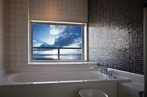 室内お風呂からの眺め(特別室)