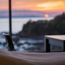 【お部屋からの眺め】東シナ海を一面に望む眺めと夕日は絶景♪