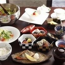 朝食全景(鮭)