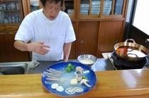 カウンターにて天ぷら1
