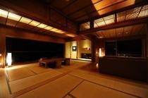 【白隠の間】広々とした和室は、戸を閉めて3つの個室にすることも