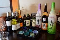 お酒も各種取りそろえています