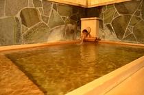 内湯「露の湯」