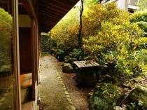 客室前庭園