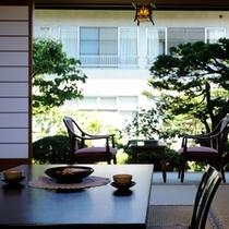 部屋1階庭園