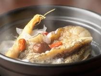 青山やまと自慢の逸品!!!【あわびの薬膳スープ煮】。