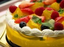 記念日に最適なフルーツ・デコレーションケーキ。直径15・18・21・24cmからお選び頂けます。