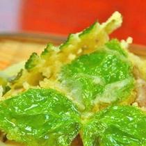 山菜や季節の野菜をふんだんに使った体に優しいお食事です(*^^*)