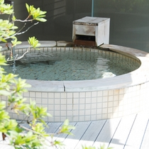 *【露天風呂】景色と温泉を楽しむ贅沢なひと時。