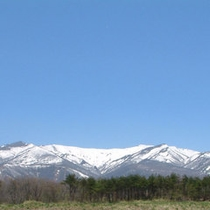 *【蔵王】春の訪れを感じる残雪の蔵王。