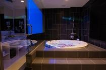 【グランスイート】シルキーバス・ブロアバス・浴室専用プロジェクターを完備。