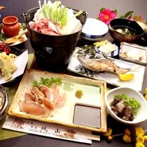 【夕食】鶏料理が楽しめるスタンダード料理の一例