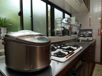 施設設備 炊飯器