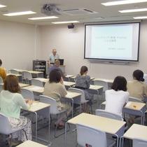 健康講話:当施設医学顧問(岡山大学医学部名誉教授)の金政先生が講師です