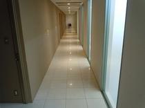 館内の廊下1