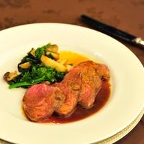夕食一例(子羊背肉のグリル)