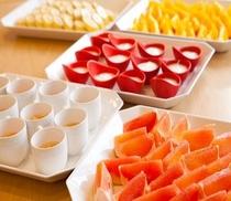 果物やヨーグルトなどのデザート