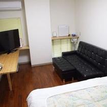 【洋室シングル一例】お部屋によってタイプが異なります。