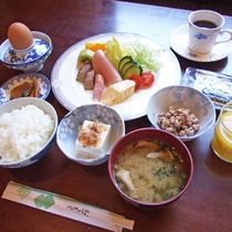(朝食イメージ)栄養満点の和定食でたまにはゆっくり朝ごはん♪