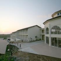 *【夕日】当館から美しい眺めをお楽しみ頂けます。