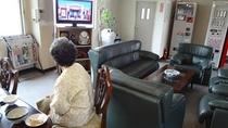 食堂にはTVもあります